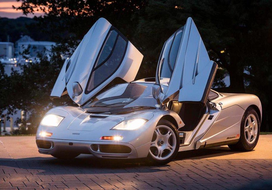 Необычайный суперкар МакЛарен F1 будет продан за15 млн фунтов стерлингов