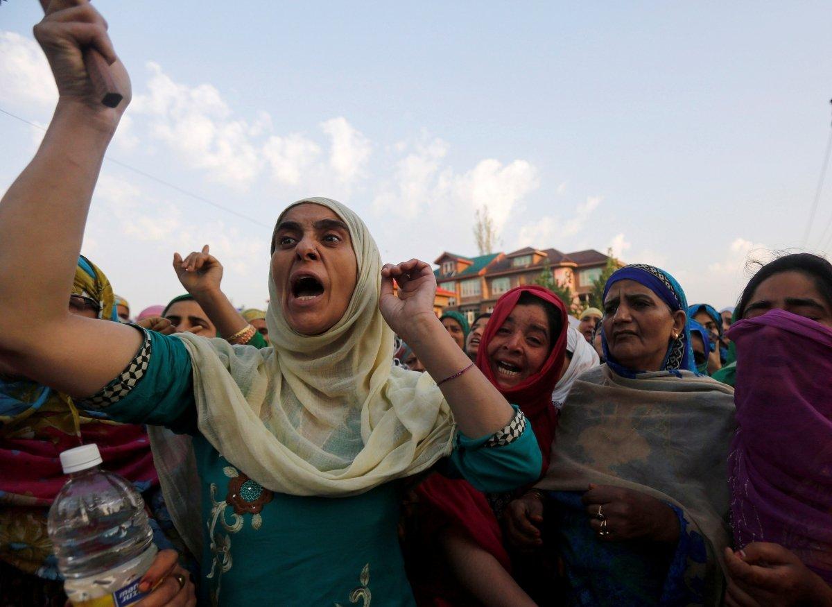 Израильские вонючие бомбы оказались недостаточно вонючими для индийцев