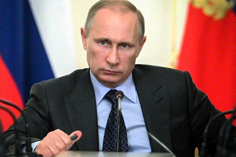 Путин поручил облегчить требования безопасности для аэропортов региональных авиалиний ДВФО