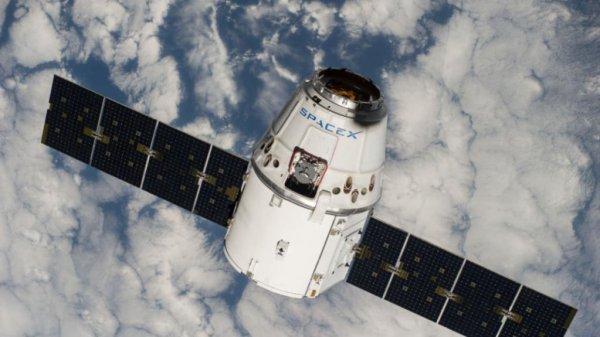 Отстыковку корабля Dragon от МКС перенесли из-за плохих погодных условий