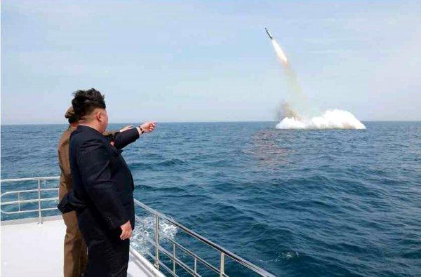 КНДР официально признала успешные испытания ракеты и пригрозила миру