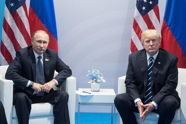 Меланья Трамп пыталась прервать супруга на переговорах с Путиным