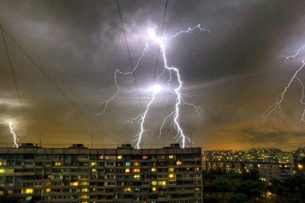 На следующей неделе на Россию обрушатся грозы и ураганы - Синоптики
