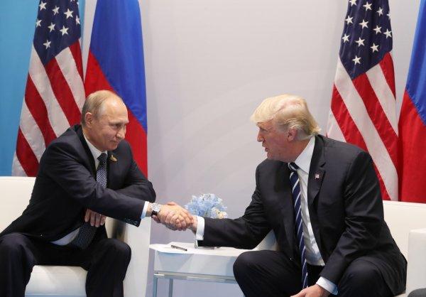 СМИ: Путин и Трамп более 40 минут спорили о «вмешательстве» РФ в выборы США
