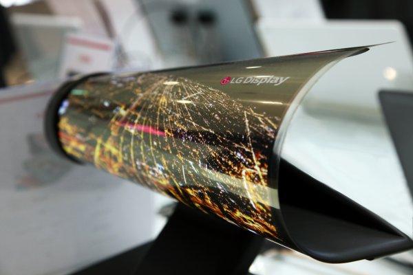 LG начнет выпускать гибкие дисплеи OLED в 2020 году