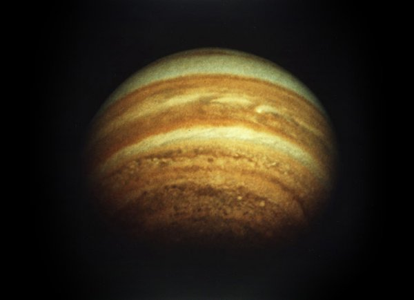 """Ученые: В будущем Юпитер """"сместит"""" Солнце в Солнечной системе"""