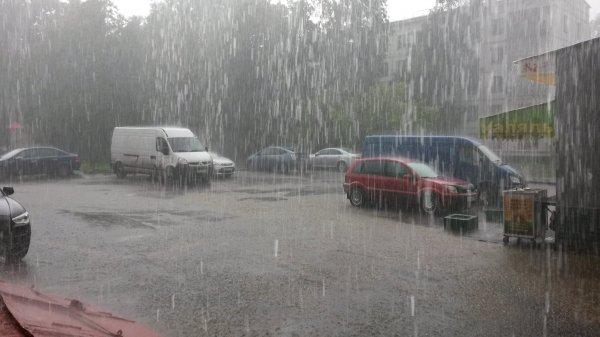 Метеорологи рассказали о надвигающейся на Москву грозе