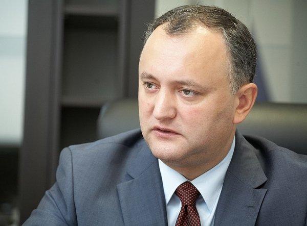 Додон: Молдавии не нужно вступать в военные блоки