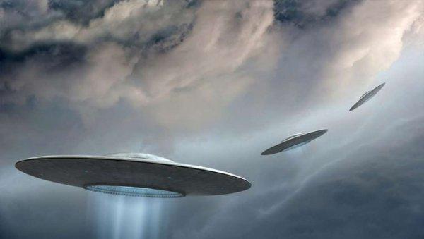 Черные кольца в небесах: НЛО, проход в другой мир или ошибка пиротехников?