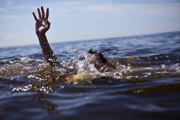 Отец с маленьким ребенком утонули в одном из озер Сахалина