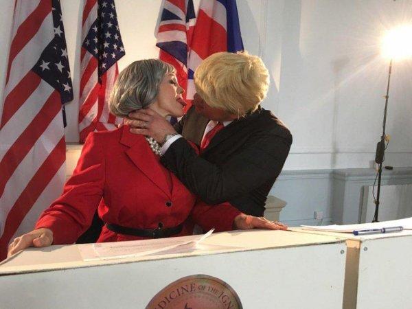 Появилось порно с участием Терезы Мэй и Дональда Трампа