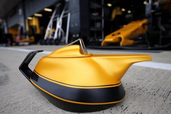 В честь юбилея Renault в Формуле-1 создали чайник