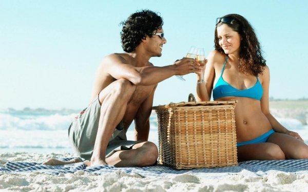 Ученые выяснили, почему летом люди чаще занимаются сексом