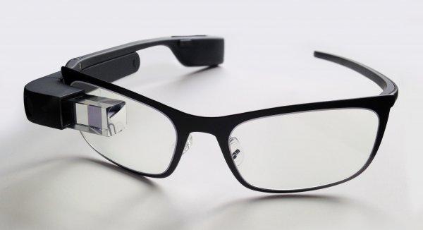 Очки Google Glass нового поколения поступят в продажу в 2018 году