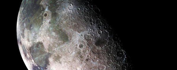 Россия отправит космических туристов на Луну