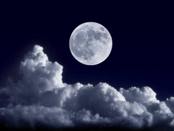 Ученые считают Луну искусственным спутником Земли