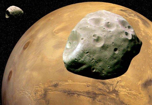 NASA опубликовала ролик вращения Фобоса вокруг Марса