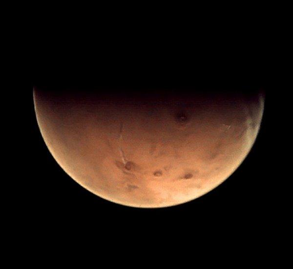 Ученые обнаружили на Марсе вход в подземную базу инопланетян: Подробности из первых уст