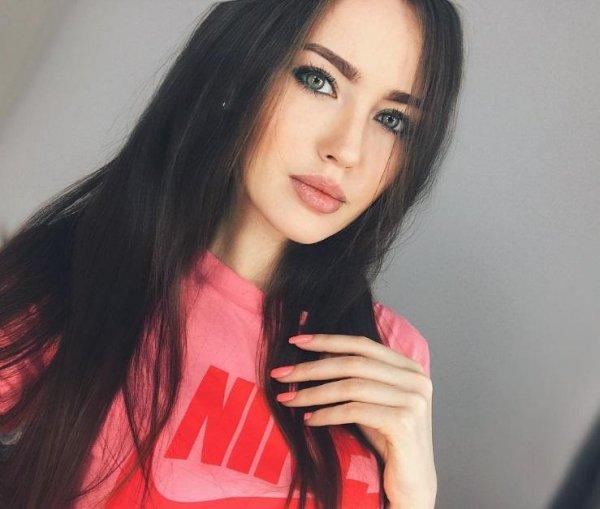 Любовница Дмитрия Тарасова выложила в Сеть фото своего сына