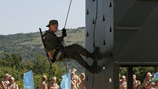 Российские военные в КНР готовятся к состязанию «Десантный взвод»