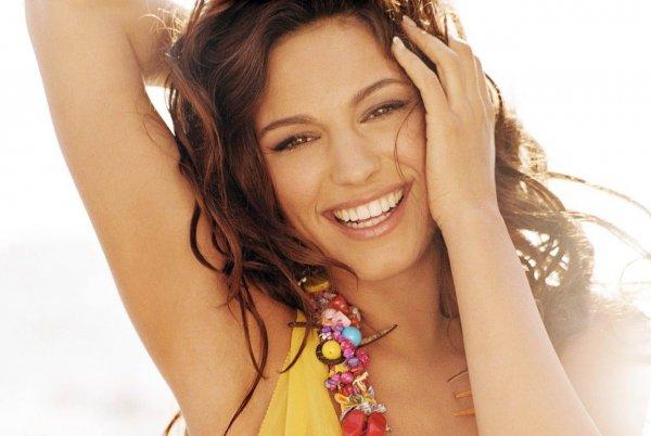 Психологи выделили функциональные типы человеческой улыбки