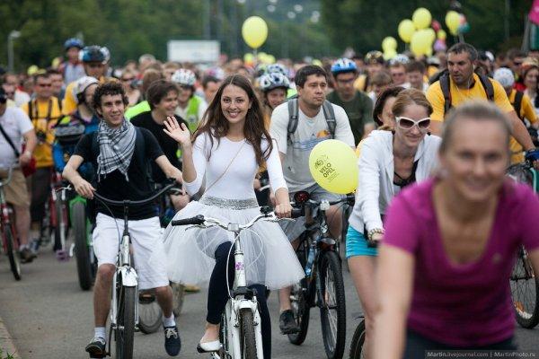 Осенний велопарад в Москве собирет 30 тысяч участников