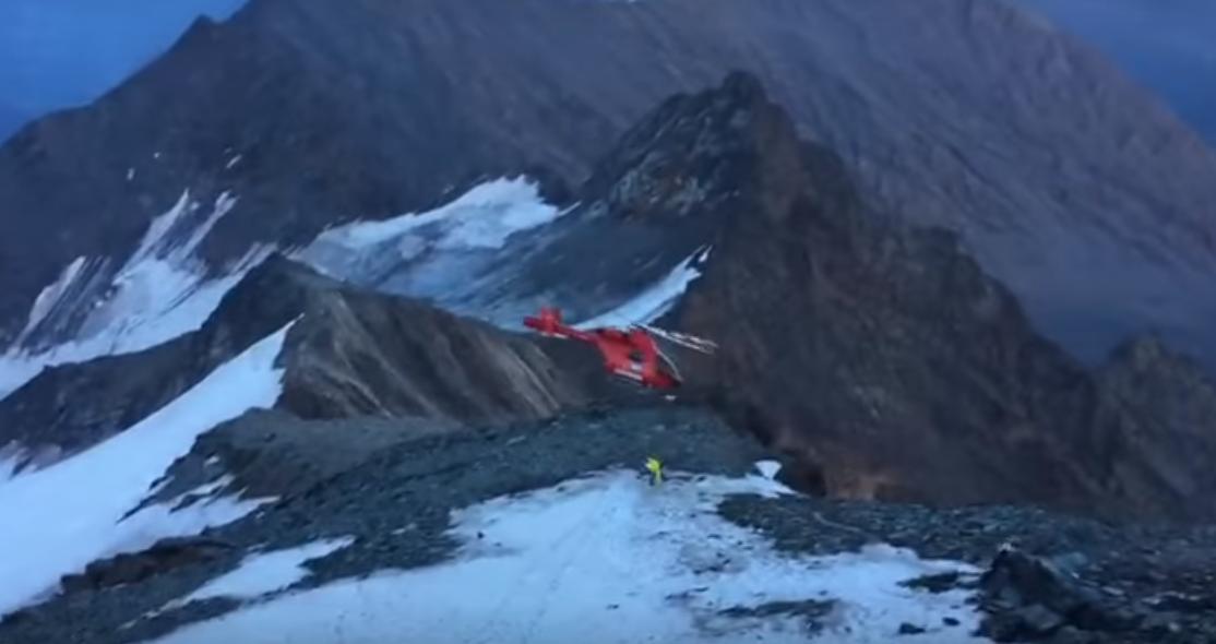 Спасательный вертолет рухнул вАльпах при эвакуации альпиниста