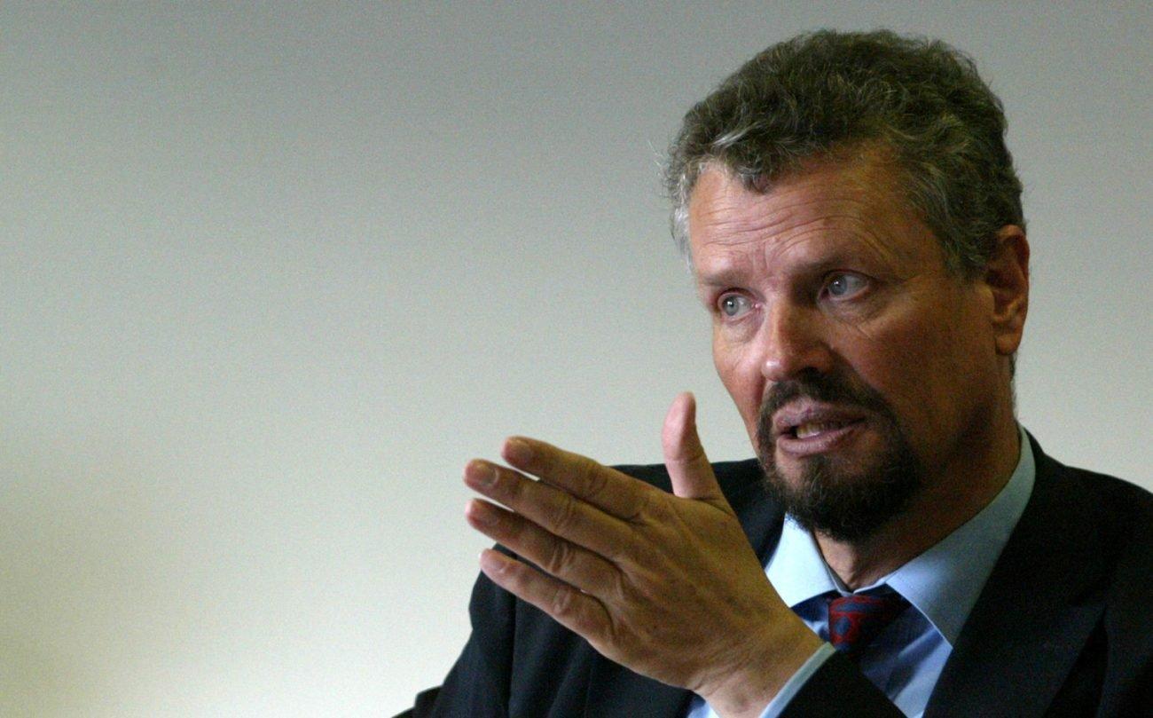 Кабмин Германии призвал забыть оКрыме иурегулировать конфликт вДонбассе