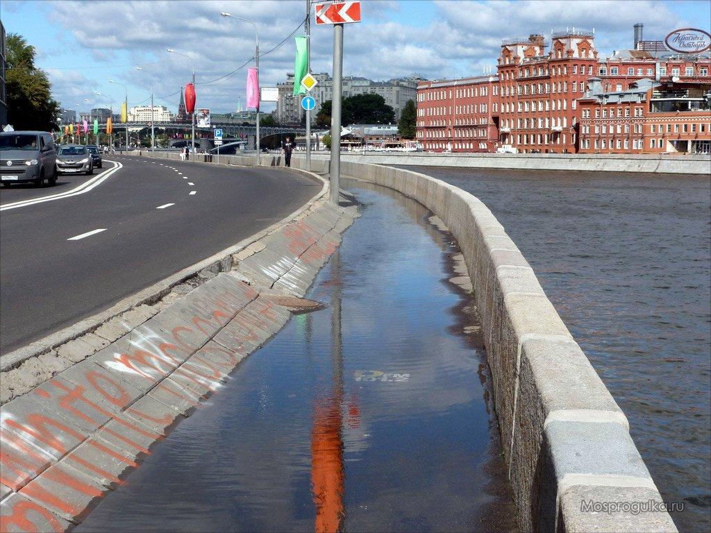 Вконце недели будет закрыто движение поПречистенской набережной иЛубянскому проезду