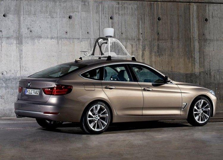 Intel протестирует 100 автономных машин в США и Европе
