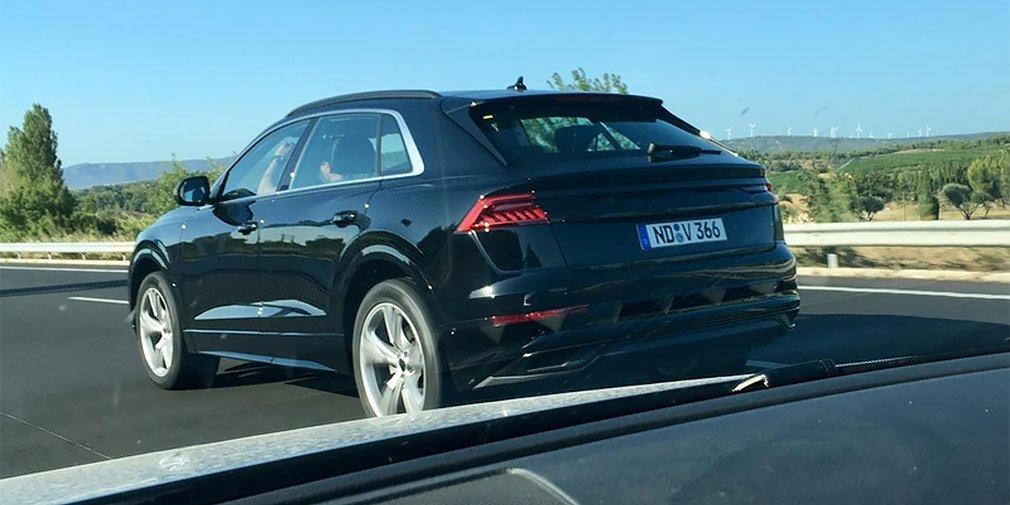 Audi Q8 заметили без камуфляжа