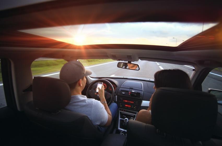 Две трети автомобилистов желают перебраться вбеспилотники