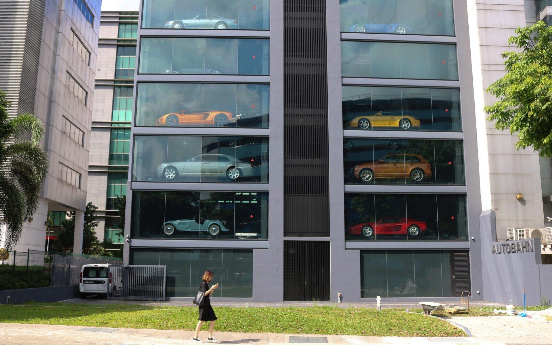Alibaba откроет вПоднебесной торговый автомат попродаже авто