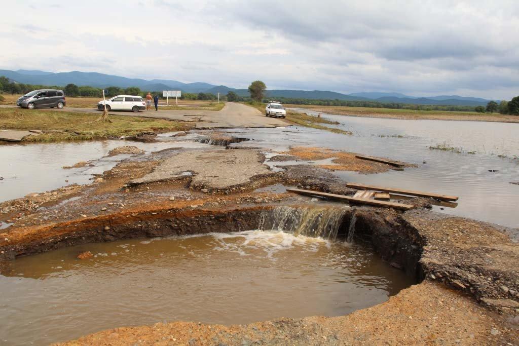 Проезд ктрем отрезанным паводком селам восстановили вПриморье