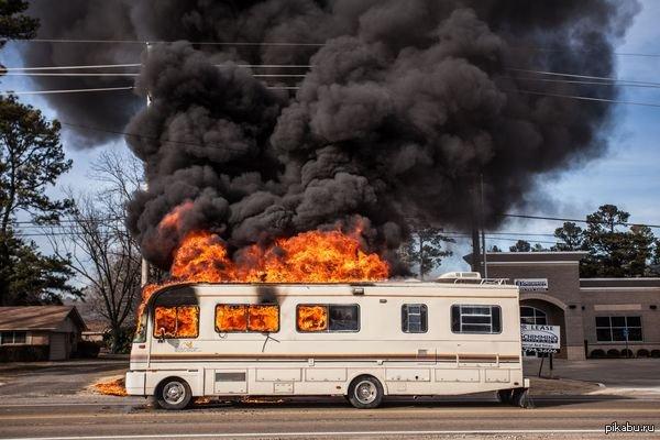 Пассажирский автобус зажегся  наюге столицы