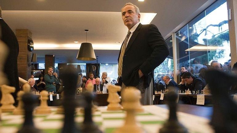 Каспаров сыграл вничью сКарякиным впервой официальной партии за12 лет