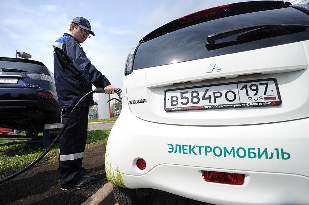 Продажи электромобилей в РФ остались науровне 2016 года