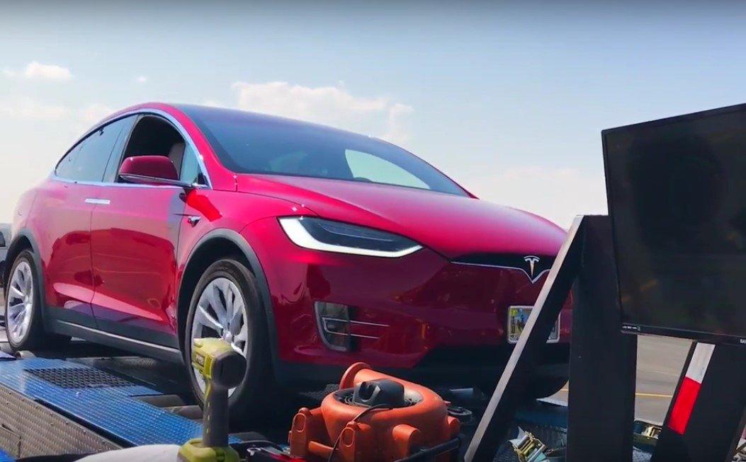 Специалисты проверили возможности мотора Tesla Model Xнастенде