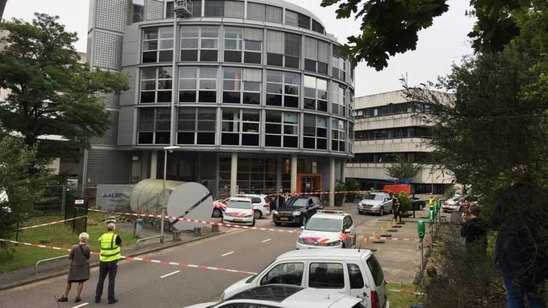 В помещении голландской радиостанции захвачены заложники