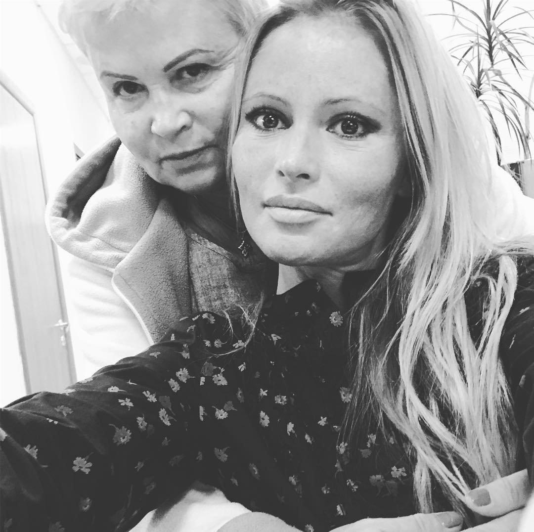 Дана Борисова повстречалась сдочерью после лечения вТаиланде