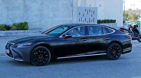 """Заряженная"" версия Lexus LS с приставкой F замечена на тестах"