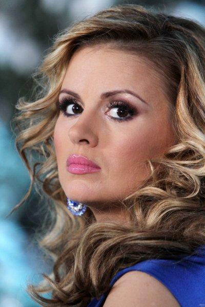 Анна Семенович шокировала поклонников расплывшейся грудью: Почему фанаты вновь негодуют?