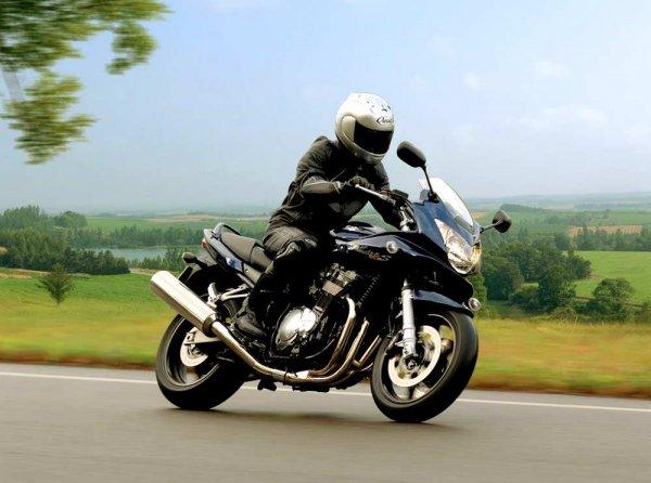 Эксперты перечислили преимущества мотоцикла над автомобилем