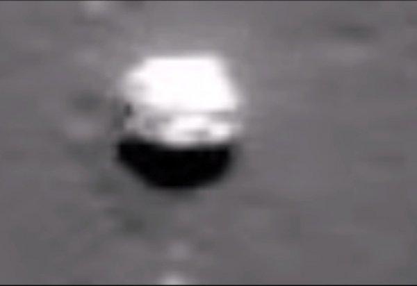 Пассажир самолета снял на видео «огромный НЛО»: Что можно заметить на кадрах с инопалнетянами?