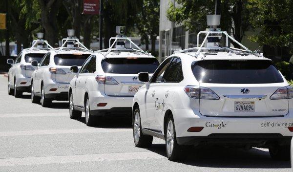 Беспилотные авто начнут тестировать на трассе «Скандинавия» в 2018 году