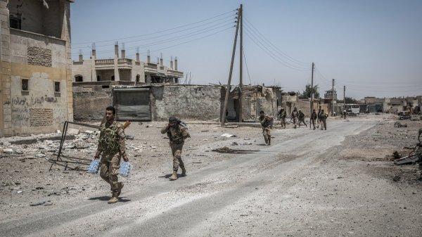 17 мирных граждан погибли в результате авианалетов в Ракке