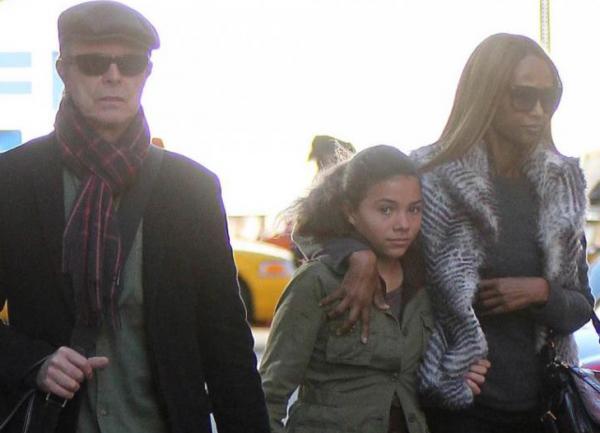 Повзрослевшая дочь Дэвида Боуи вызвала восторг у пользователей Интернета