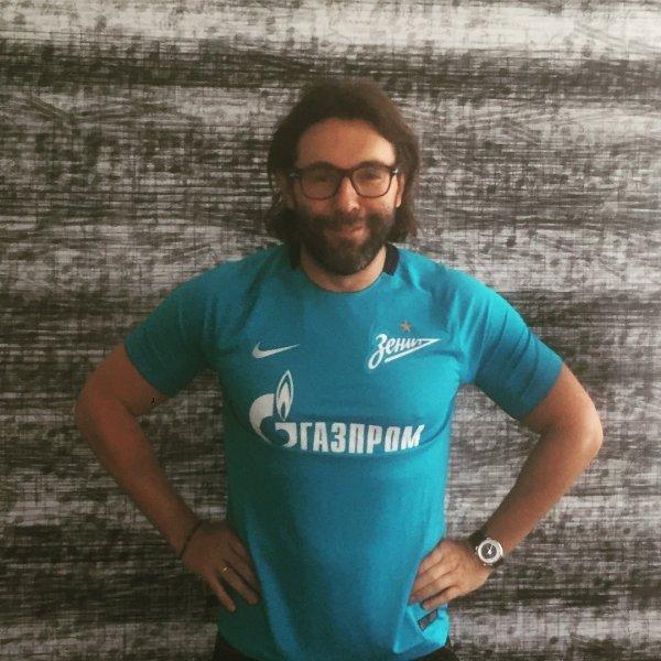 Андрей Малахов примерил форму футбольной команды «Зенит»