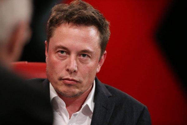 Илон Маск обновит электромобили по советам блогера