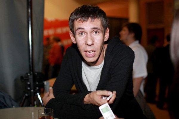 Алексея Панина встретили лаем в ресторане Москвы